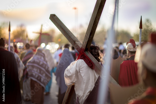 Photographie Jesus Carries His Cross - Way of the Cross