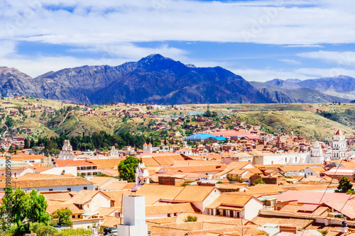 Fotografía  View on cityscape of colonial town of Sucre - Bolivia