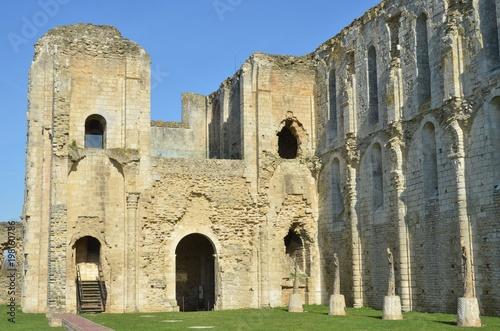 Photo Saint-Pierre de Maillezais, l'abbaye du marais, Ouest de la France