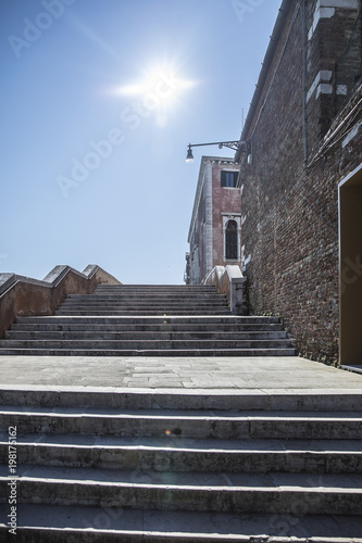 Poster Oude gebouw stairway of bridge on Fondamente Nove in Cannaregio, Venice, Italy