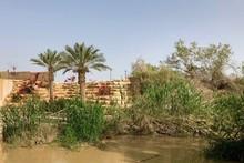 Jordan River Divides The Borde...