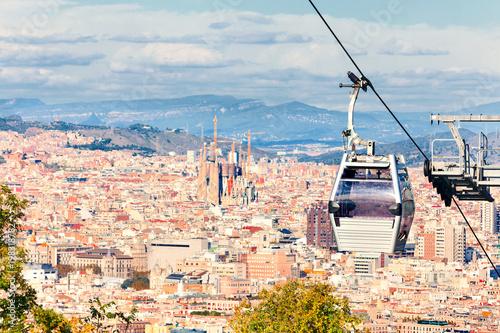 Foto auf Leinwand Barcelona Cable car to Montjuic hill. Cityscape of Barcelona. Sagrada Familia.