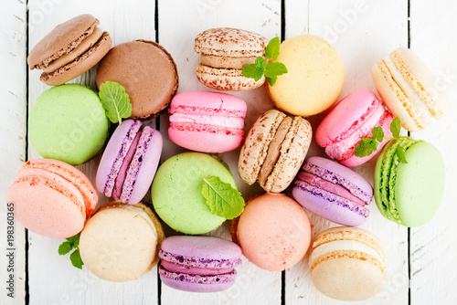 Photographie  Sweet and colourful french macaroons.