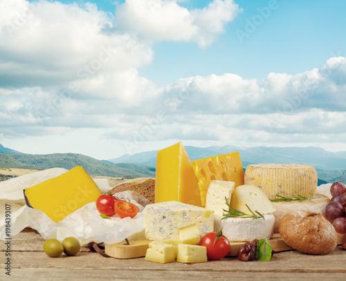 Fotomagnes Pyszny ser na stole