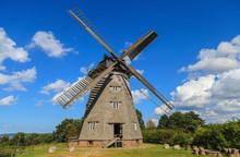 Traditionelle Holländermühle - Windmühle In Benz, Auf Der Insel Usedom (Deutschland)