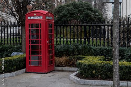 Papiers peints Rouge, noir, blanc Cabine téléphonique de Londres