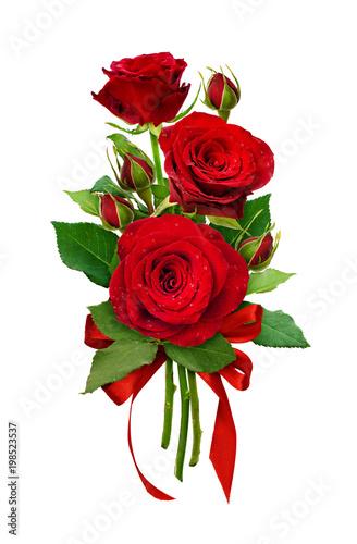 Zdjęcie XXL Romantyczna aranżacja z kwiatami czerwonych róż i kokardką z satynową wstążką