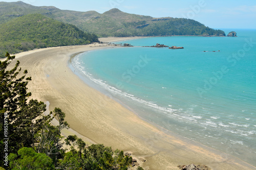 Photo Esplanade beach of Cape Hillsborough National Park in Australia.