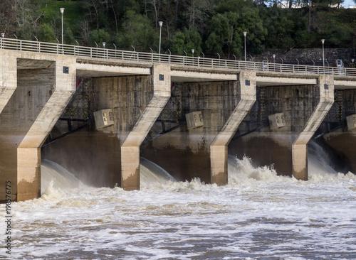 Tuinposter Dam Torrejón dam open. Monfragüe National Park. Cáceres, Extremadura, Spain