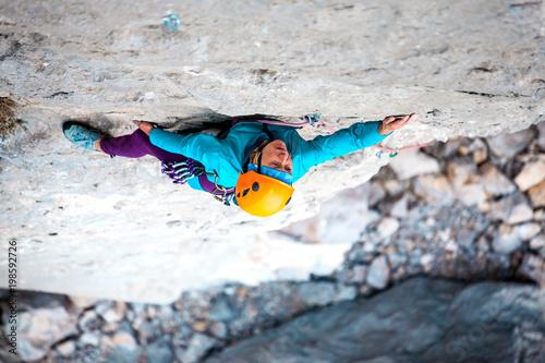 Spoed Fotobehang Alpinisme Mountaineer in helmet.