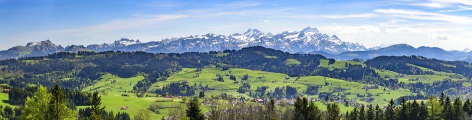 Appenzeller Land mit Alpste...