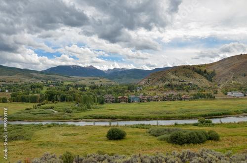 Foto op Canvas Pistache Eagle river valley in Rocky Mountains scenic view Avon, Eagle County, Colorado