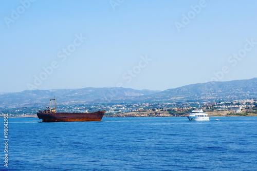 Foto op Canvas Schipbreuk An old shipwreck near Cyprus, Paphos