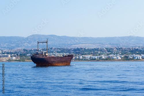 Deurstickers Schipbreuk An old shipwreck near Cyprus, Paphos