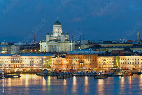 Fotomural Night view of Helsinki, Finland