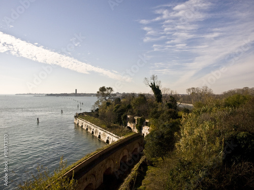 Fotografie, Obraz  forte nella laguna di Venezia