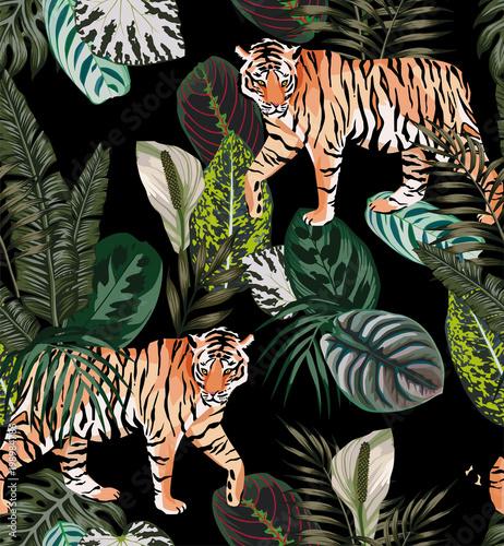 tiger dark jungle pattern