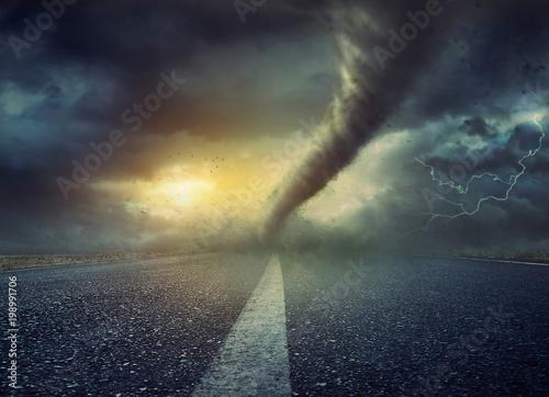 Fotomural Powerful huge tornado twisting on road