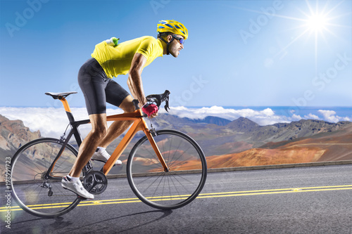 Professional road bicycle racer in action Fototapete