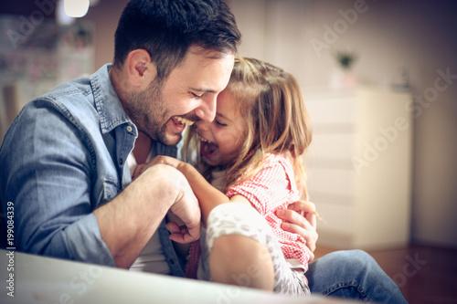Obraz Funny day with daughter. - fototapety do salonu