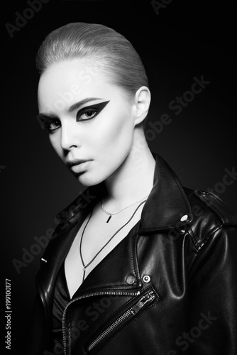 Poster womenART Woman with bright makeup in leather jacket