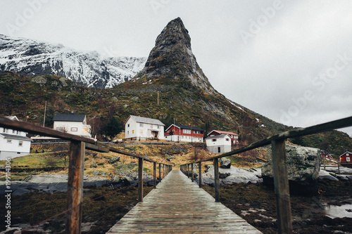 Papiers peints Cappuccino Scenic aerial view of fishing town Reine on Lofoten islands, Nor