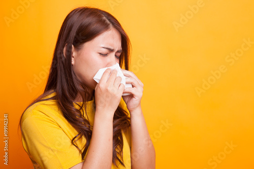 Young Asian woman got sick and flu. Fototapete