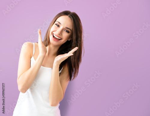 Fotografía  young woman showing smile