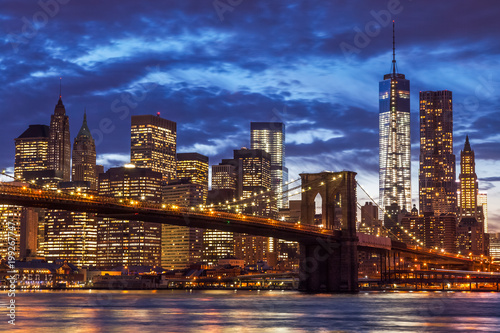 Aluminium Prints Dark blue Brooklyn Bridge and Manhattan Skyline, New York City