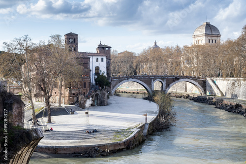 Fotografie, Obraz  Isola Tiberina Roma
