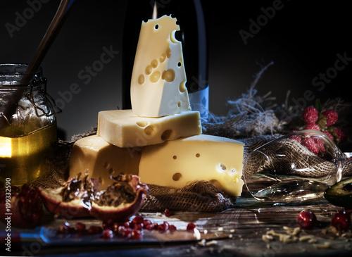 Plakat Martwa natura z serem, winem, miodem