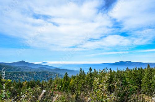 Photo Schöner Ausblick vom Großen Arber über die Täler, Berge und Wälder
