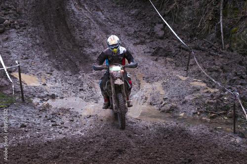 enduro/course de motos tout terrain