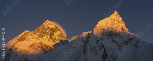 Cuadros en Lienzo Everest and Nuptse summits at sunset or sunrise