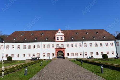 Vorderes Schloss in Heusenstamm / Landkreis Offenbach фототапет