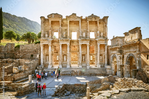 Poster Ruine Ancient Celsius Library in the old Ephesus city, Turkey