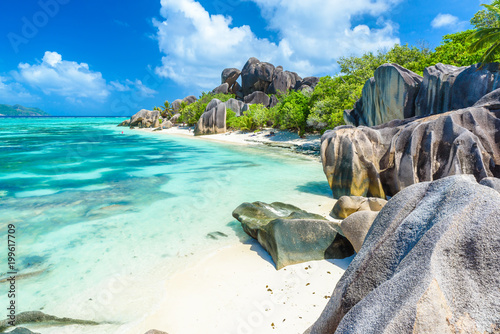 Photo  Source d'Argent Beach at island La Digue, Seychelles - Beautifully shaped granit