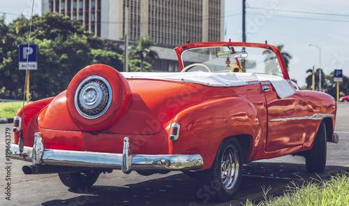 Keuken foto achterwand Vintage cars HDR Foto von einem amerikanischen historischen Auto in Havanna Kuba
