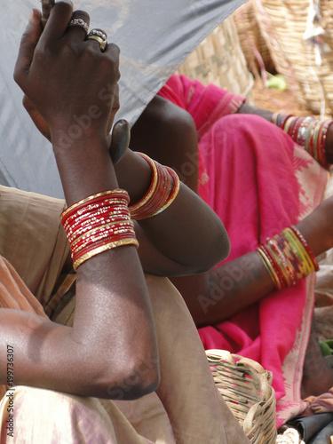 Tablou Canvas Bright colored sarees and bangles