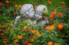 ANGELS IN LOVE. Sculptures Of ...