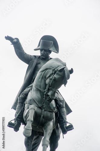Papiers peints Commemoratif Statue of Napoleon on Horseback