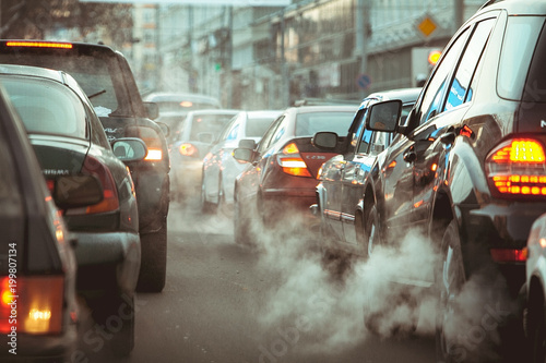 Fotografia strong car traffic jams in the city