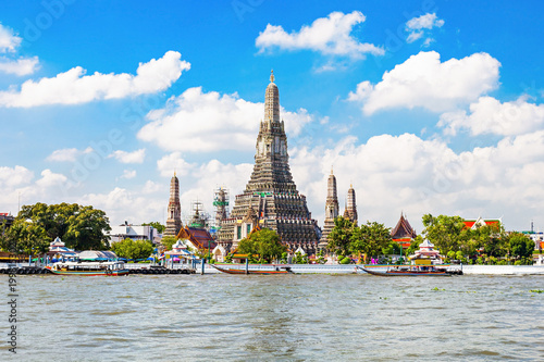 Photo Stands Bangkok Wat Arun Temple