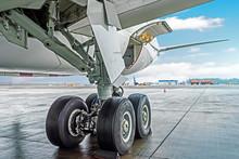 Wheels Rubber Tire Rear Landin...