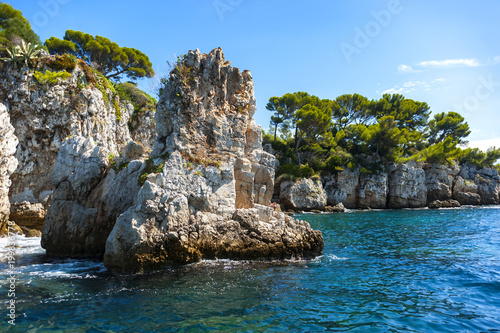 Photo Charming coastline of the Cap d'Antibes in France