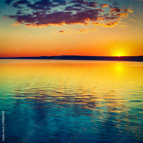 Poster de jardin Bleu nuit Sunset over the river. Amazing landscape