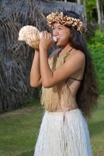 Polynesian Cook Islander  Woma...