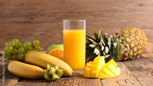 Poster Sap fruit juice and ingredient