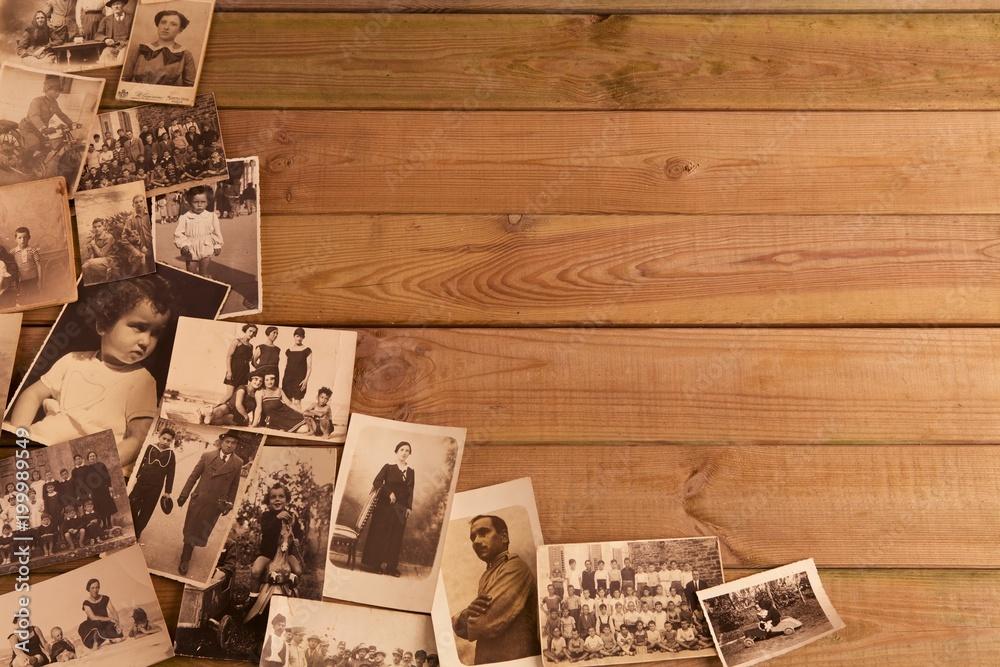 Fotografie, Obraz Foto antiche su vecchio tavolato con spazi per inserimento testi