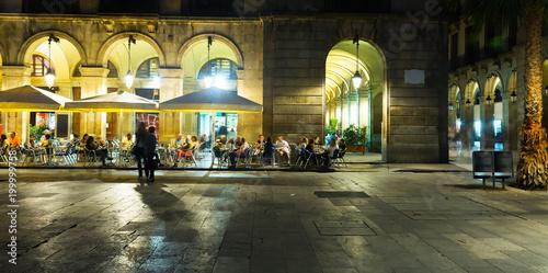 Foto auf Leinwand Barcelona Nightlife of Placa Reial in Barcelona